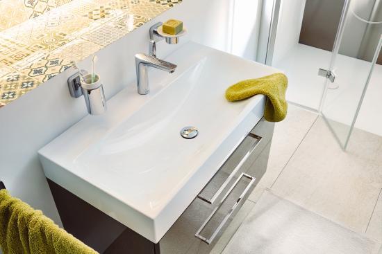 Bagno Con Doccia Al Centro : Dalla doccia al lavabo: nuovi elementi e formati per arredare il